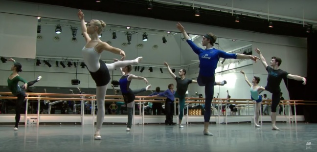Aula de aquecimento do Royal Ballet