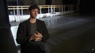 Jonathan Cope, que interpretou Romeu diversas vezes, ajuda na remontagem do ballet