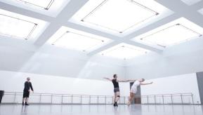 Scottish Ballet ensaia versão própria do Lago dos Cisnes