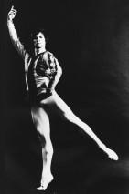 Nureyev faz pose em ensaio. Foto: New York Public Library for the Performing Arts