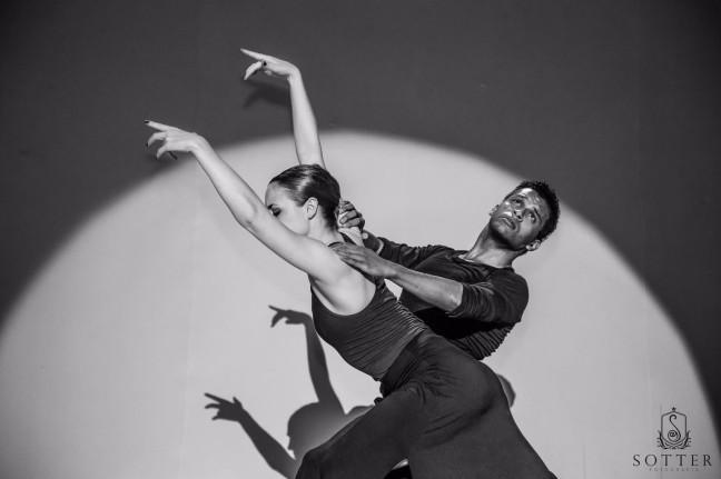 Lysion dançando pela Ad Deum (Foto: Sotter Fotografia)