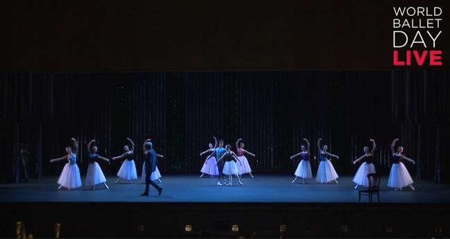 Marcação no palco com orquestra de Diamonds, de Balanchine (Foto: Reprodução)