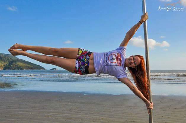 Pole dance na praia