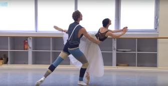 Leanne Stojmenov e Adam Bull em Giselle