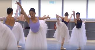 Corpo de baile ensaia Giselle